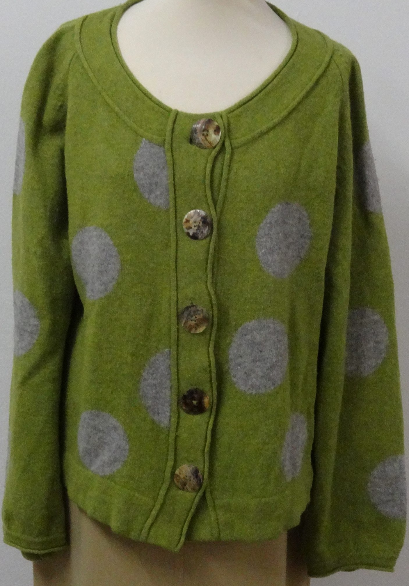 ffd511f0 Uld cardigan - Care & Share Vintage