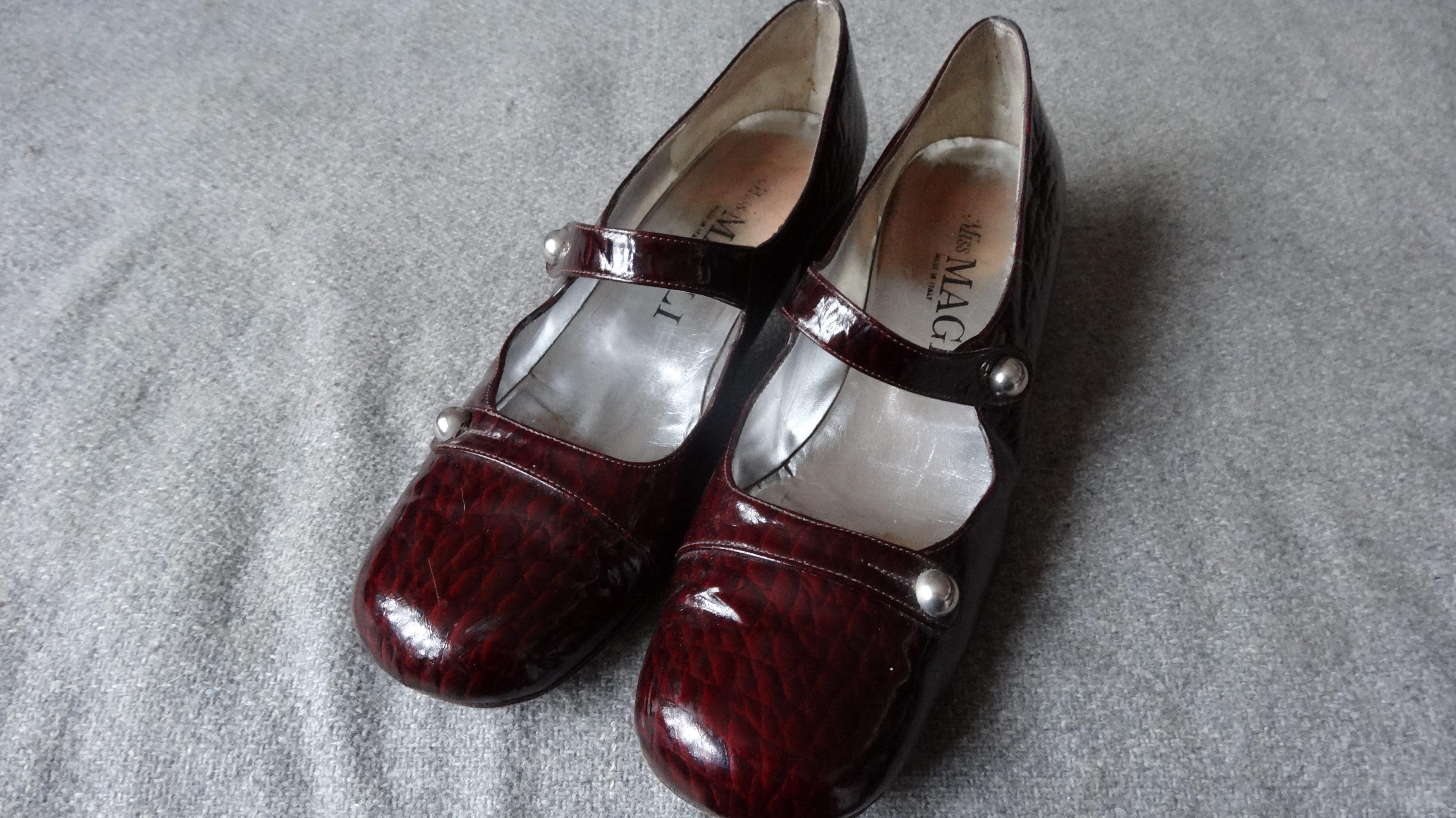 5517f2a4624d Dansk) Italiensk vintage lak sko - Care   Share Vintage